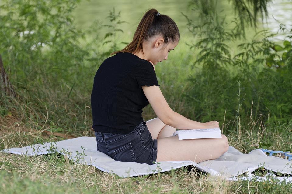 5 Romans Qui Feront Lire Votre Ado Tpl Moms