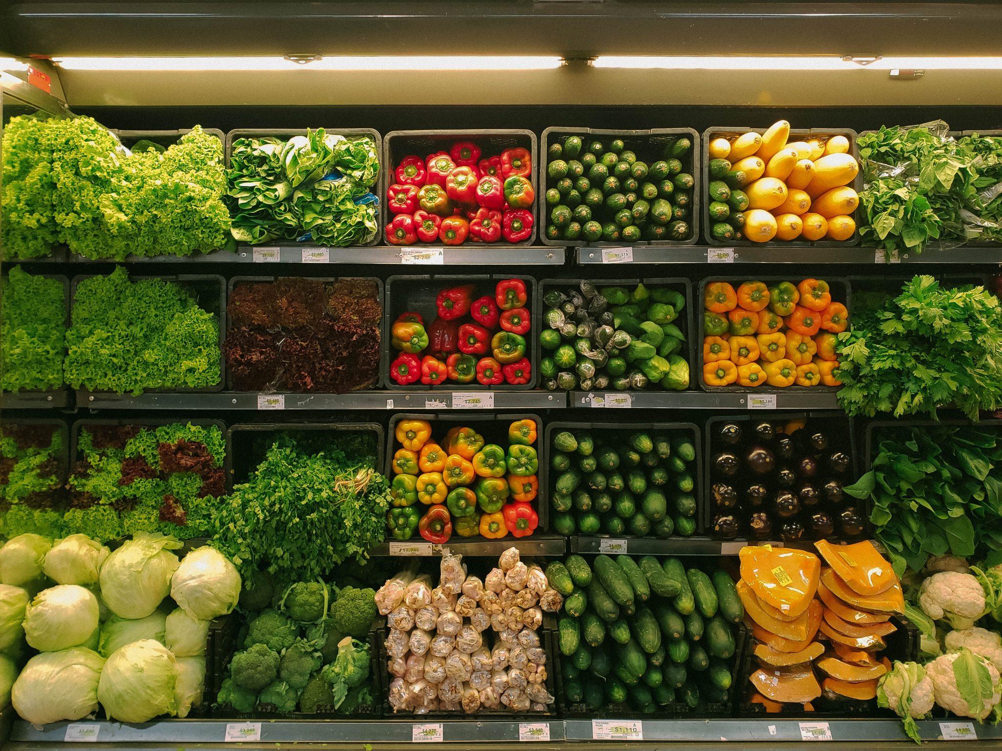"""Résultat de recherche d'images pour """"légumes et des produits alimentaires"""""""