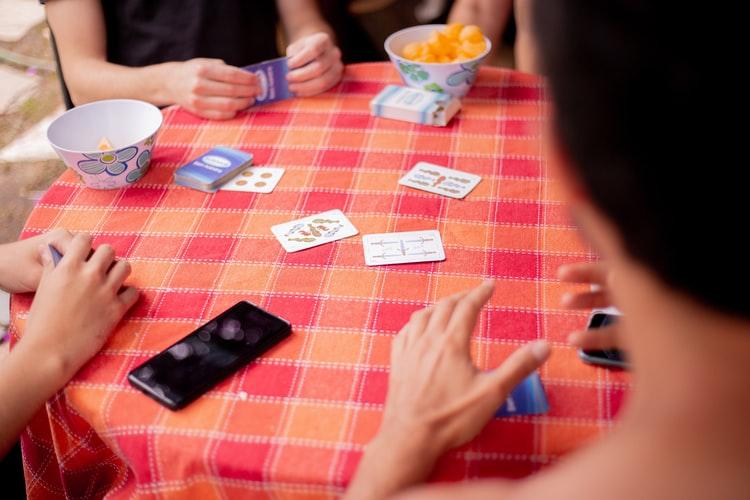 7 jeux coopératifs à essayer en famille ou entres ami.e.s